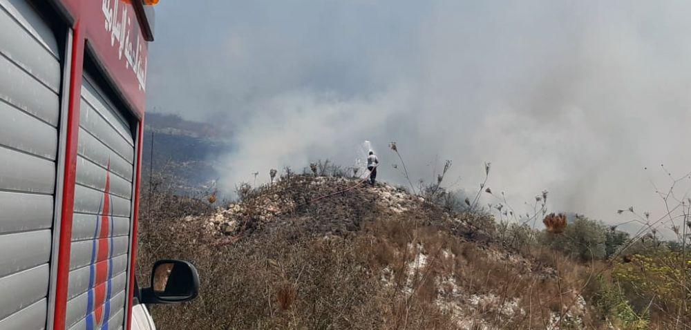 بالصور: الدفاع المدني - الهيئة يخمد اربع حرائق كبيرة بين ديرقانون النهر وبدياس