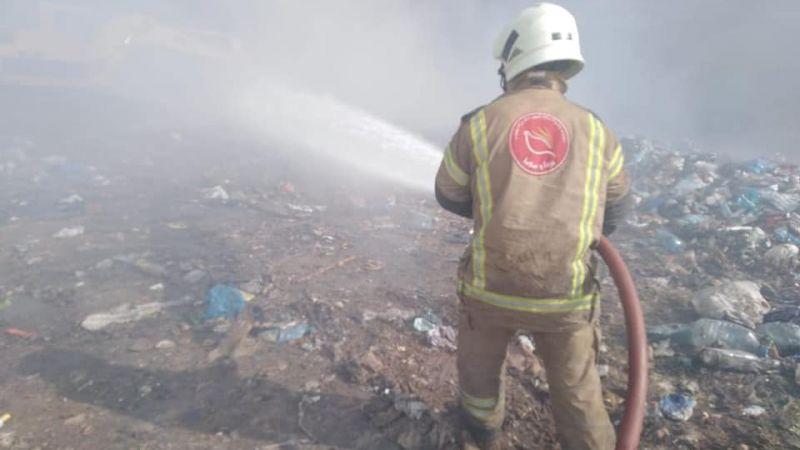 بالصور: فوج اطفاء اتحاد بلديات قضاء بنت جبيل يخمد حريقاً شب في مجدل سلم
