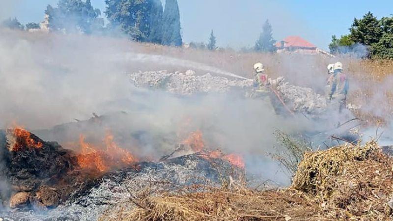 فوج اطفاء بنت جبيل يخمد حريقاً شب في المدينة بـ ( صف الهوى )