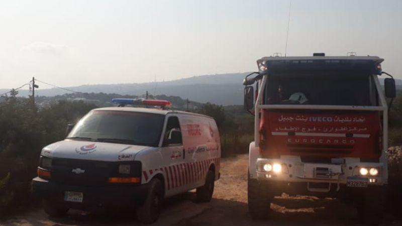 الفرق الاسعافية تواكب افواج الاطفاء على الحدود اللبنانية