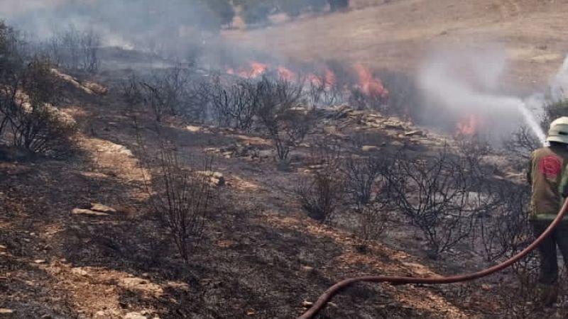 فوج اطفاء بنت جبيل يخمد حريقاً بين بلدتي عيترون وعيناثا