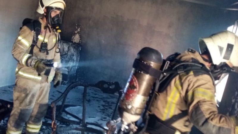 فوج اطفاء الضاحية يخمد حريقاً في حي السلم