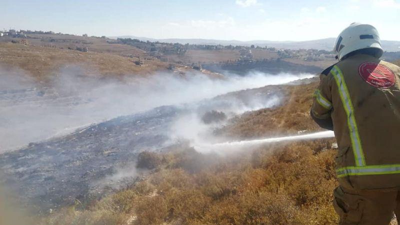 بالصور: فوج اطفاء بنت جبيل يخمد حريقاً شب في بلدة ميس الجبل الجنوبية