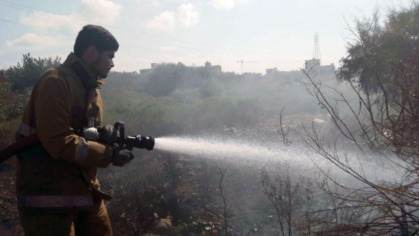 الدفاع المدني يخمد حريقاً في بلدة المعشوق