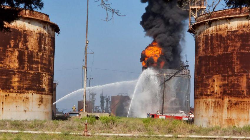 بالصور: الدفاع المدني يسيطر على حريق الزهراني
