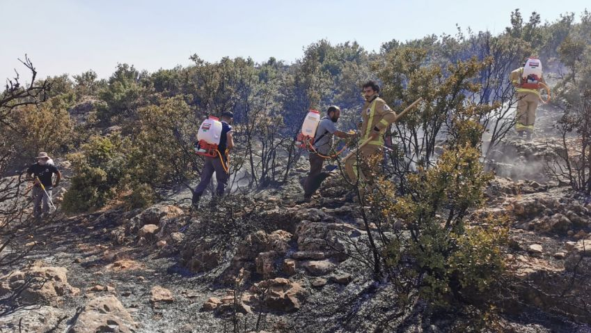 إطفاء حريق في بلدة حربتا البقاعية