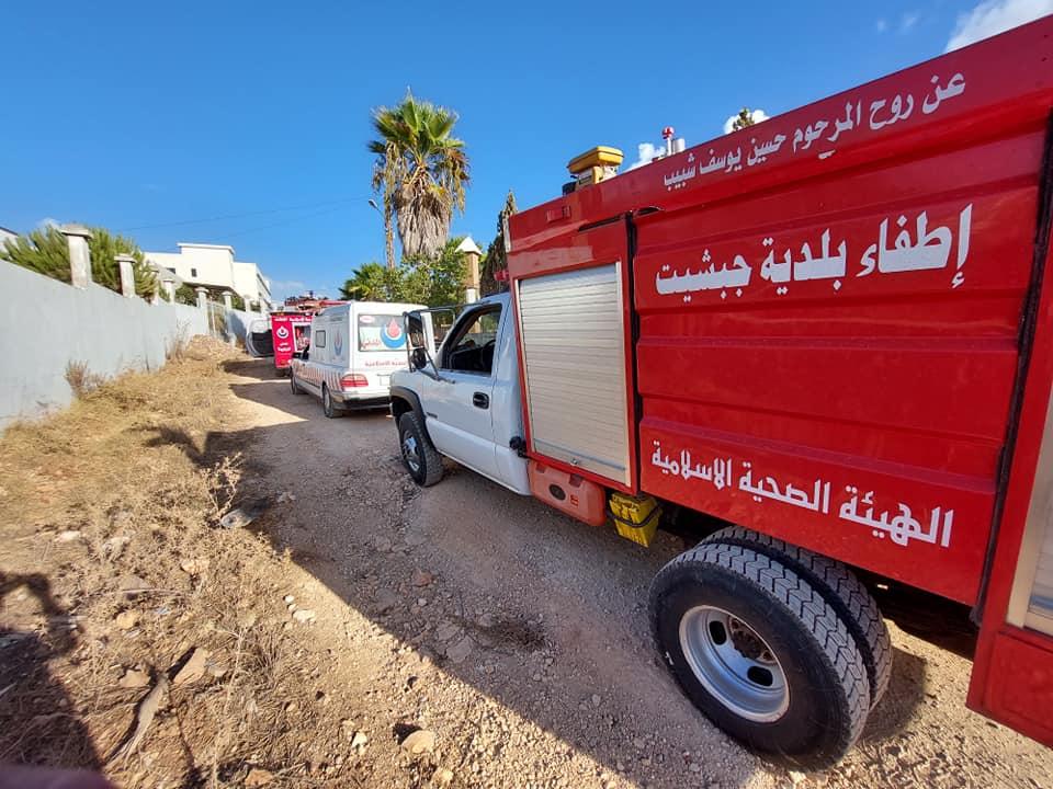 بالصور: فرق الإطفاء تخمد حريق كبير بين بلدتي كفرصير-وصير الغربية.