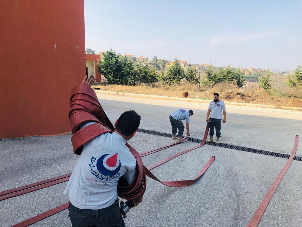 بالصور: تأهيل اطفاء لمسعفي مديرية الجنوب الثانية